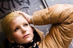 Ongerust gemaakte jonge blonde Stock Foto's
