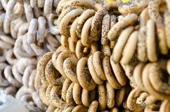 Ongezuurde broodjes met papaverligament Royalty-vrije Stock Afbeeldingen