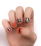 Ongles peints artistiquement pour Hwlloween Photos stock