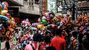 Ongpin gata i Binondo, Manila royaltyfri bild