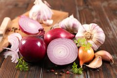 Free Onion And Garlic Stock Photography - 138133452