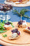 Onion chutney with blue cheese Royalty Free Stock Photos