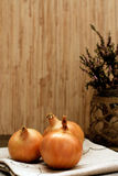 Onions. Bouquet and rustic style Royalty Free Stock Images