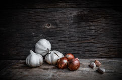 Onions and garlic still life Royalty Free Stock Images