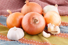 Onions and garlics Royalty Free Stock Photography