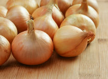 Onions on a kitchen Stock Photos