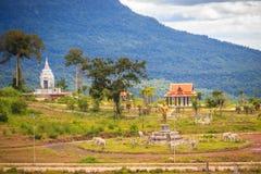 Onlangs de het hotelbouw van de casinotoevlucht in Chong Arn Ma, grensovergang Thais-Kambodja (genoemd Ses in Kambodja) tegengest royalty-vrije stock foto