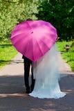 Onlangs-gehuwd paar i Stock Afbeeldingen