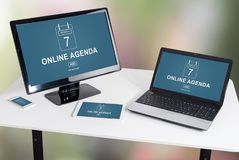 Online agendy pojęcie na różnych przyrządach Zdjęcia Stock