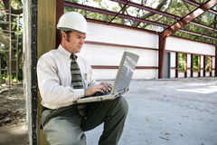 Online auf Baustelle Lizenzfreies Stockfoto