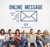 Online-begrepp för anslutning för globala kommunikationer för meddelande Royaltyfri Foto