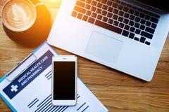 Online-begrepp för medicinsk hälsovårdförsäkring arkivfoton