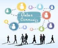 Online-Community, die Kommunikations-Gesellschafts-Konzept teilt stockfotografie