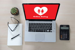 Online Dating match love man and woman and a heart, Internet Da Stock Photo