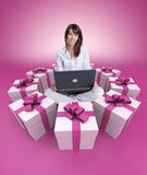 Online gift hunting pink Royalty Free Stock Photos