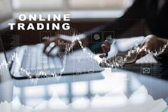 Online-handel internetinvestering Affärs- och teknologibegrepp Fotografering för Bildbyråer