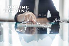 Online-handel internetinvestering Affärs- och teknologibegrepp Arkivbilder