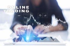 Online-handel internetinvestering Affärs- och teknologibegrepp Royaltyfri Fotografi