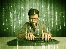 Online het binnendringen in een beveiligd computersysteem lopend concept royalty-vrije stock afbeelding