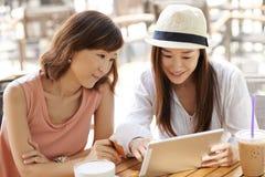Online het winkelen royalty-vrije stock afbeeldingen