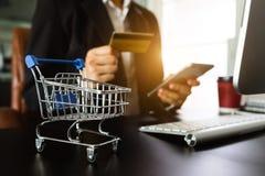 Online het Winkelen betalingenconcept stock foto's