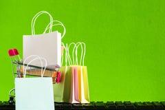 Online het winkelen, elektronische handel of orde online concept: Kleurrijke bedelaars royalty-vrije stock foto
