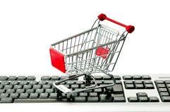 Online het winkelen van Internet concept met computer stock afbeelding