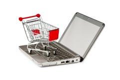 Online het winkelen van Internet concept met computer royalty-vrije stock foto's
