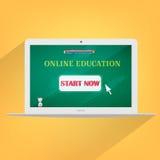 Online laptop van het onderwijsconcept ontwerp Stock Afbeeldingen