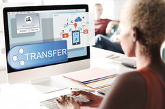 Online Leje się transfer technologii technologii bezprzewodowej pojęcie Fotografia Royalty Free