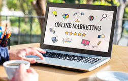 Online Marketing Concept op Laptop Monitor Stock Foto