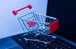 online-shopping Fotografering för Bildbyråer