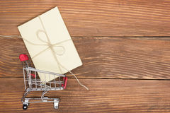Online shopping concept - Empty Shopping Cart Royalty Free Stock Photos