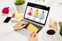 Online shopping concept Royalty Free Stock Photos