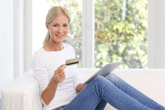 Online shopping with credit card Royalty Free Stock Photography