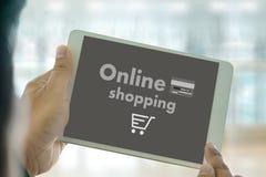 Online-shopping tillfogar till Sale för köpet för vagnsbeställningslagret online-shopping Arkivfoton
