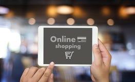 Online-shopping tillfogar till Sale för köpet för vagnsbeställningslagret online-shopping Arkivbilder