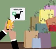 Online-shoppingbegrepp genom att använda mobil enhetsmartphonen och shooping påsar Arkivbilder