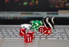 Online spielend Stockfotos