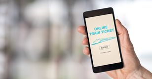 Online taborowego bileta pojęcie na smartphone Zdjęcie Royalty Free