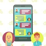 Online-telefonpratstundbegrepp - prata för flicka- och pojkecell Arkivbilder