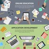 Online-utbildnings- och app-utvecklingsbegrepp Arkivbilder