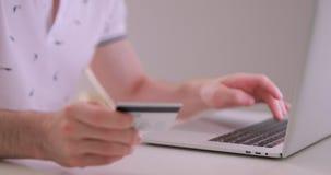 Online zakup z mądrze telefonem, przepisać karta kredytowa liczba zbiory