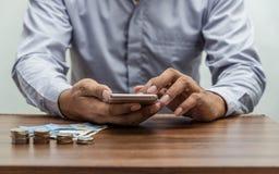 Online zakupy, online bankowość i internet bankowości pojęcie Fotografia Royalty Free
