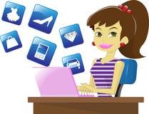 Onlineeinkaufenmädchen Lizenzfreie Stockfotos