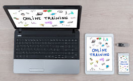 Onlinego szkolenia pojęcie na różnych przyrządach Zdjęcia Stock