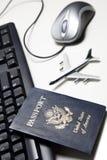 Onlinelebensdauer des reisenkonzeptes noch Lizenzfreie Stockfotografie