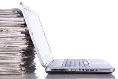 Onlinenachrichten stockfoto