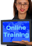 Onlinetrainings-Computer-Meldung Stockfotografie