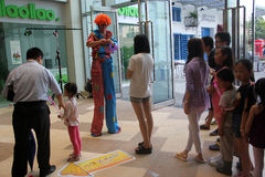 Onlookers clown in SHENZHEN Royalty Free Stock Images